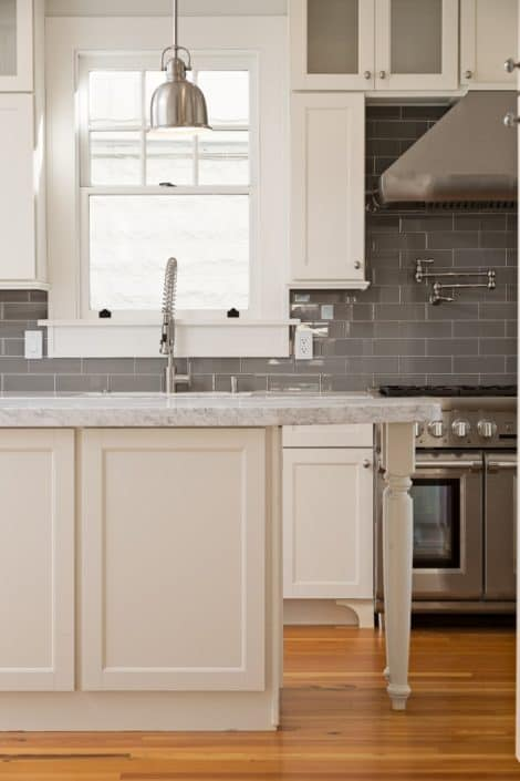 Reclaimed Wood Kitchen Floors Blend Perfectly with Contemporary Accents 1