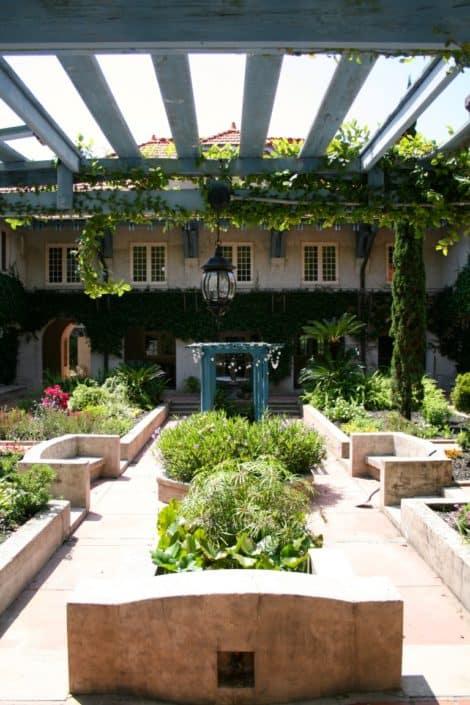 Sydonie Mansion 8