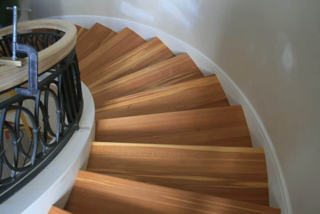 Attrayant Reclaimed Wood Stairs, Stair Parts, Treads And Moldings U2013 The Sustainable  Design Choice ...